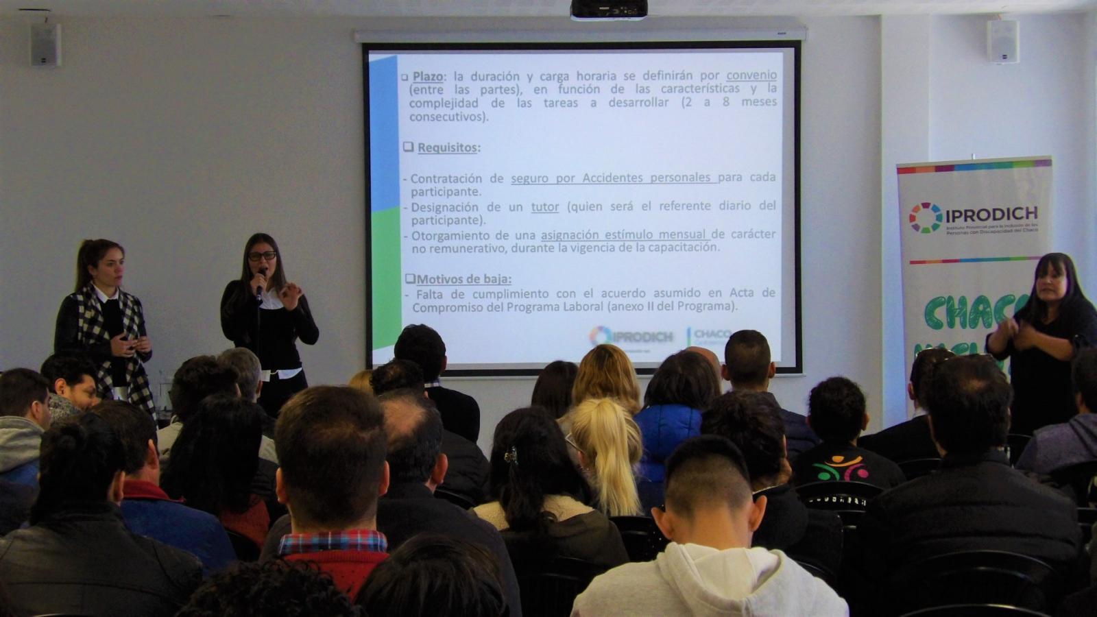 Nuevo programa de capacitación laboral y entrega de certificados de cursos